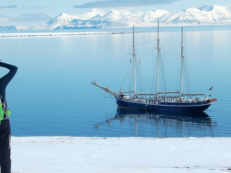 8 Days Arctic North Spitsbergen, Hike & Sail, Arctic Spring