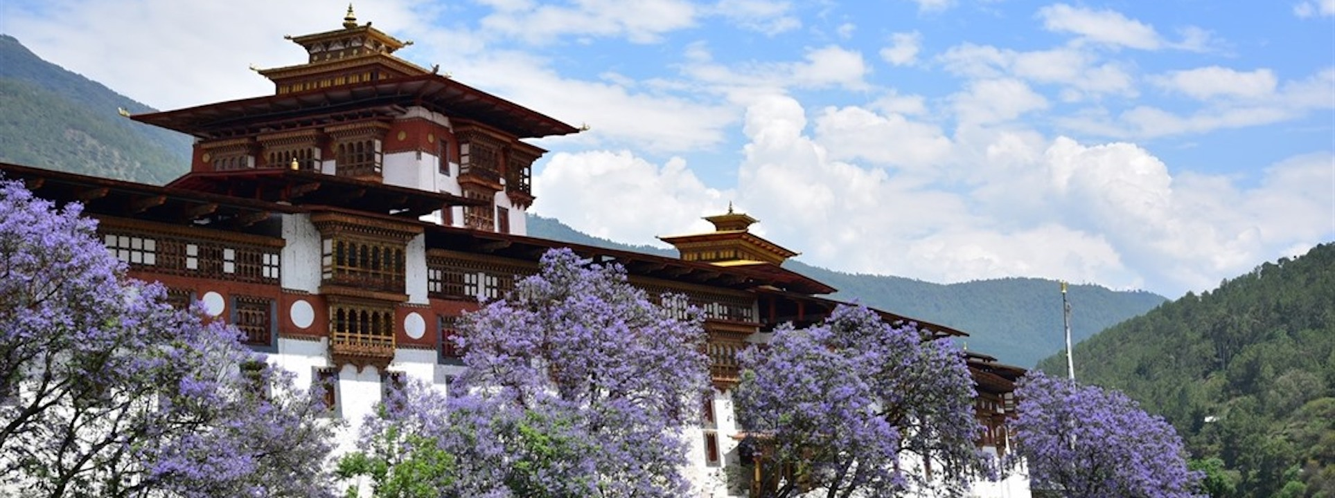 4 Day Tast of Bhutan Deluxe Private tour (economy class flight from Bangkok included) High Season
