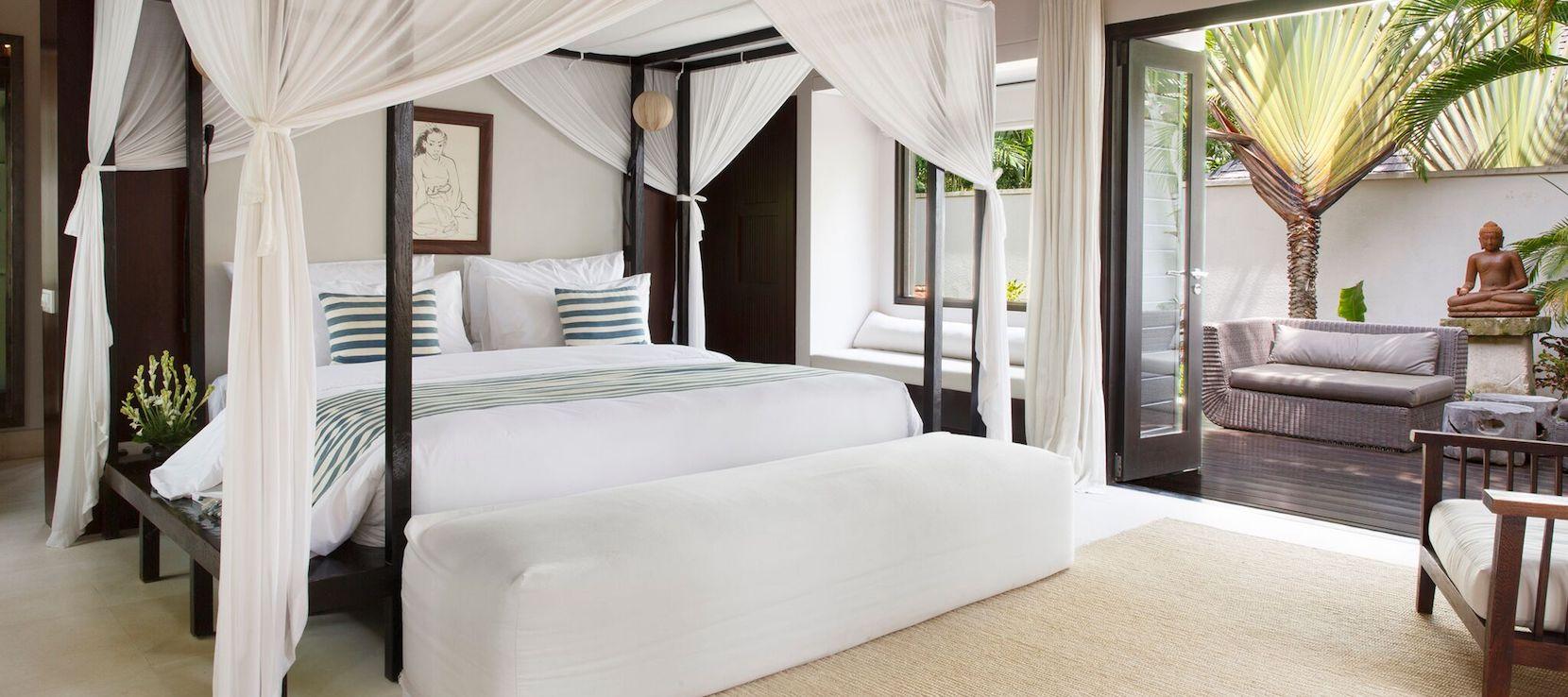 The Ungasan Clifftop Resort / Bali