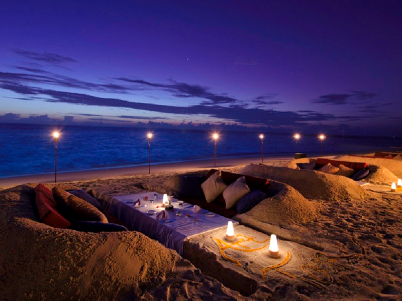 Picture of Luxurious Beach Dining
