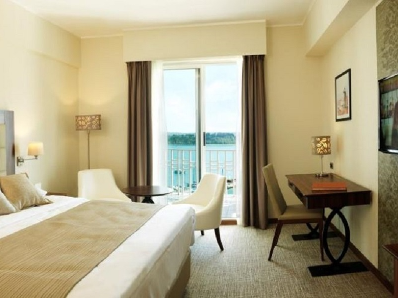 Picture of room Executive Double Room with Park view, Balcony with half board service included.