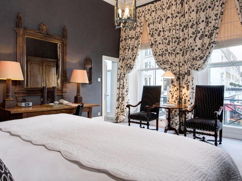 Picture of room Junior Suites | The Pelham Hotel