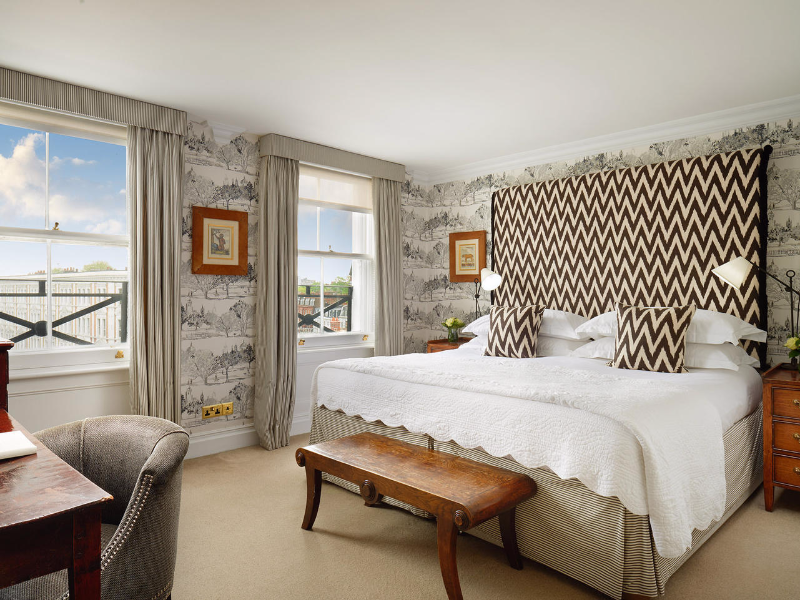 Picture of room King Suite | The Pelham Hotel